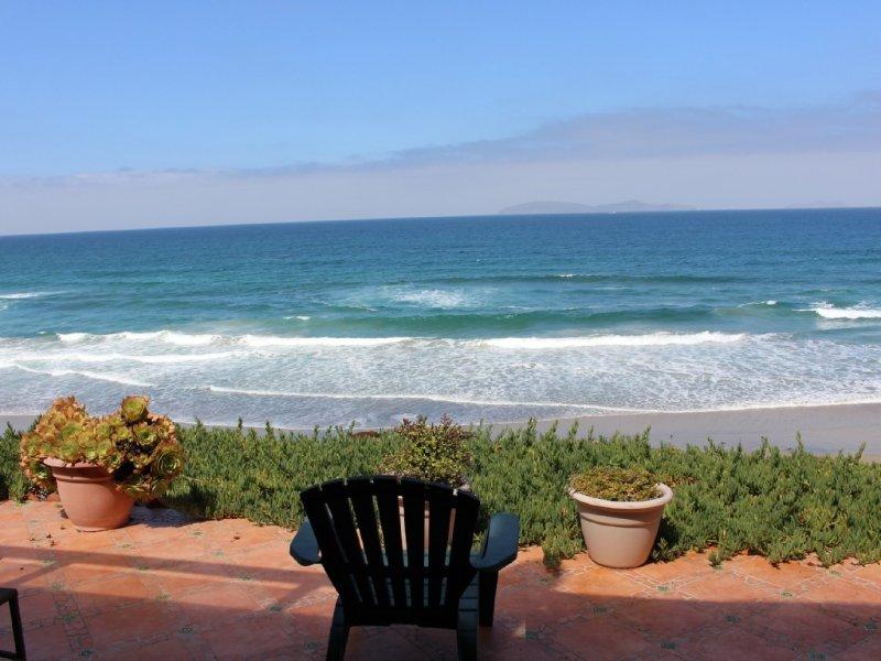"OCEAN FRONT ISLA Vacation Home ""Beach House"" Rosarito Mexico ��, aluguéis de temporada em Baja California Norte"