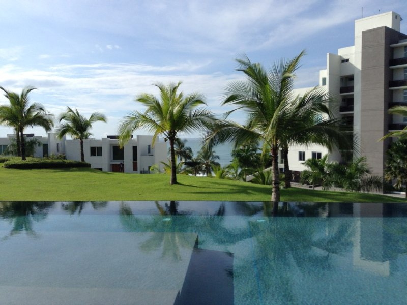 Spectacular, Luxury Oceanfront Condo in Rio Mar, Panama, holiday rental in San Carlos