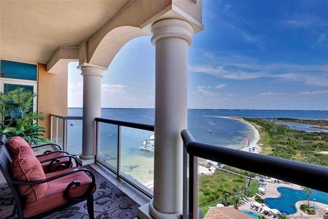 Escape to White sands and Emerald waters! Breathtaking views!!, vacation rental in Pensacola Beach