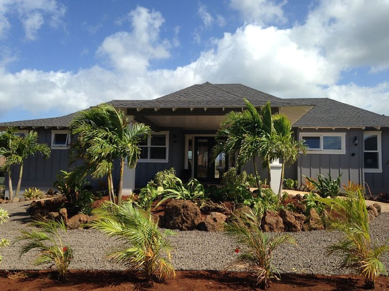 BRAND NEW POIPU BEACH ESTATE, 5 BR/ 5 BA WITH GRANITE KITCHEN & CARRERA MARBLE, Ferienwohnung in Koloa