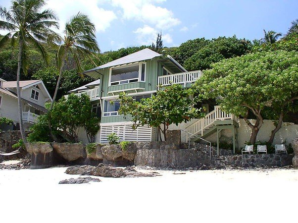 Lanikai Cottage on Secluded Quiet Beach with Amazing Views, vacation rental in Kailua