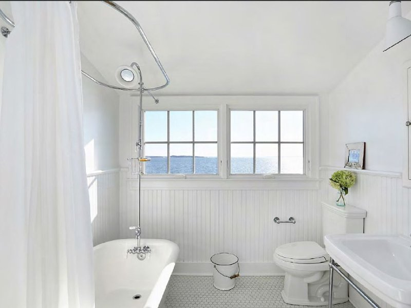 Views-Views-Views of beautiful Peconic Bay.  Tastefully renovated 1929 Cape., vacation rental in Shelter Island