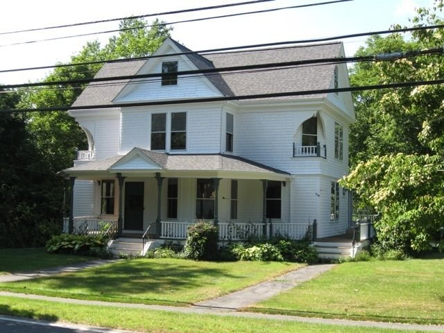 Fully Renovated Authentic Victorian in East Dennis, Ferienwohnung in East Dennis