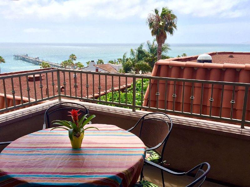 Duplex w/ Spectacular Ocean View - Steps to San Clemente Pier, Beach & Downtown, alquiler de vacaciones en San Clemente