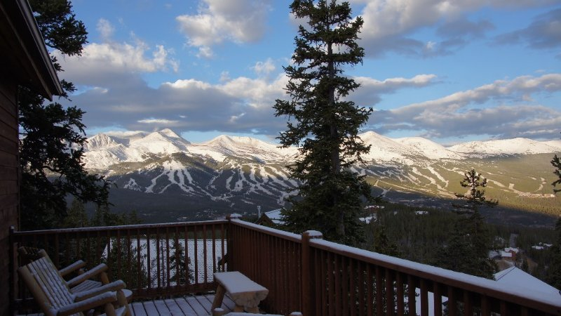 Magnificent Mountain Views, Spacious Comfort, Ideal Family & Friends, vacation rental in Breckenridge
