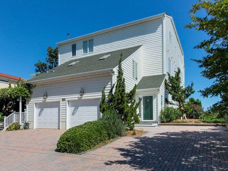 Beautiful Bay Front Property - 2BR/2BA, alquiler de vacaciones en Virginia Beach