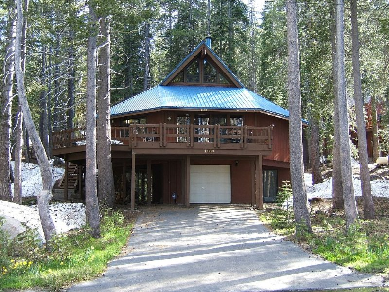 Capone's Lake Getaway at Serene Lakes, Soda Springs, vacation rental in Soda Springs
