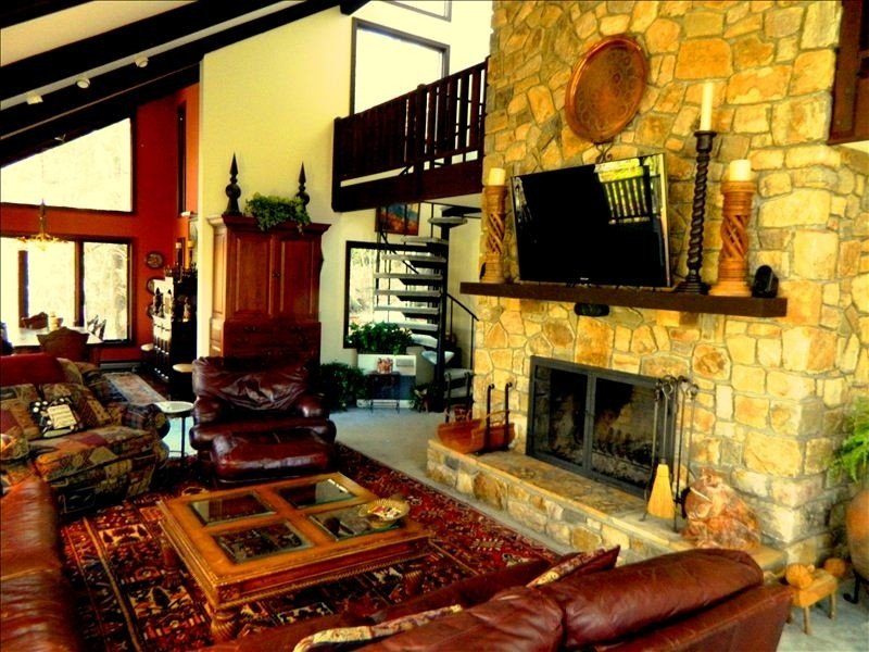 Mountain Paradise inside Grandfather Golf and Country Club Resort, vacation rental in Linville