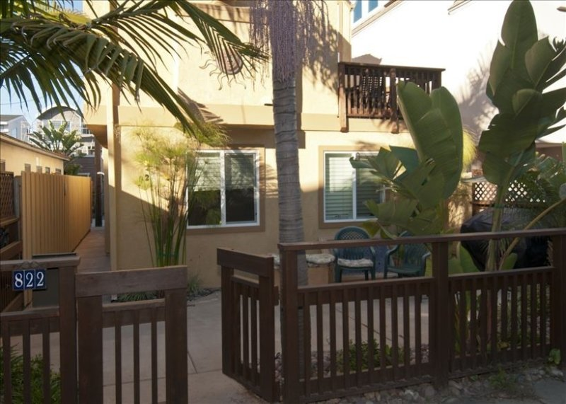 Great Location Steps to Bay & Beach, Sleeps up to 8, and Quiet Area Close to All, vacation rental in San Diego