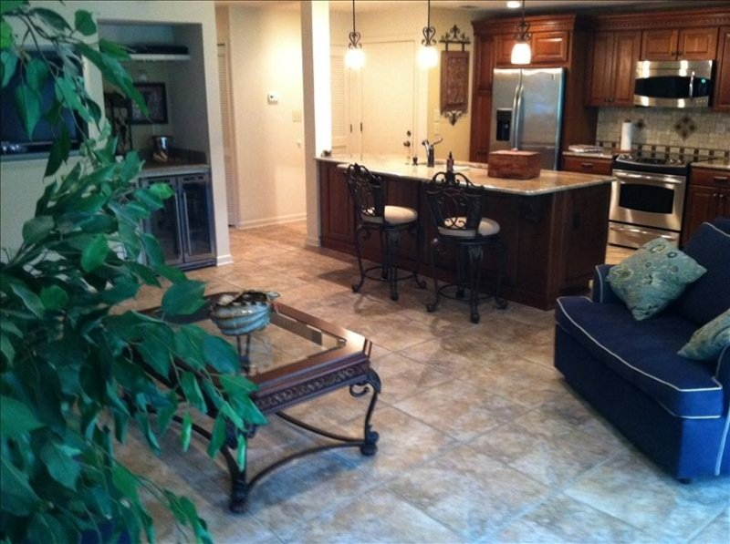 Turtle Cove Open Floor Plan 2bed/2bath Turtle Cove Villa Pet Friendly, holiday rental in Kiawah Island
