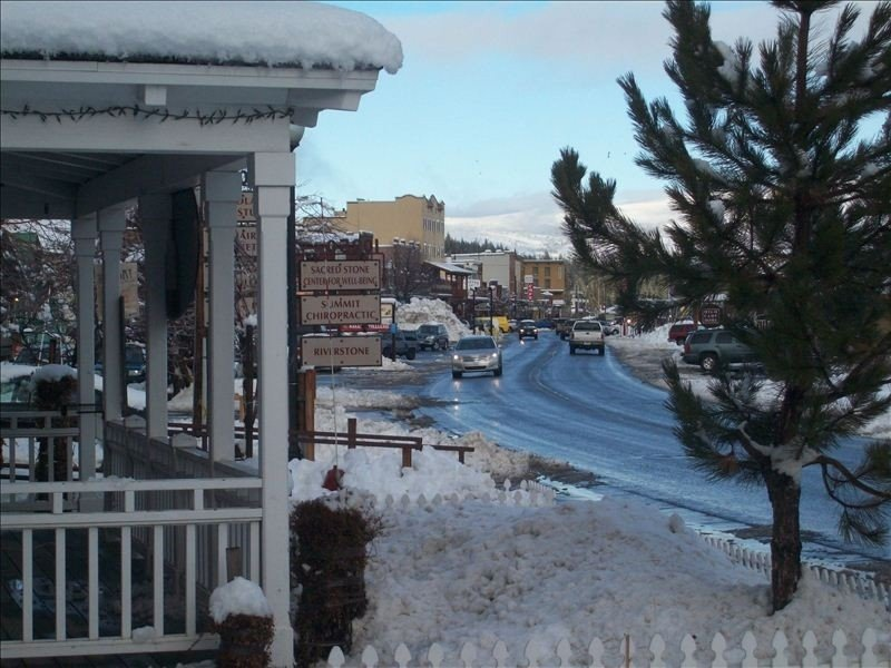 Stay in the heart of Downtown Truckee/Read guest comments/WiFi, holiday rental in Truckee