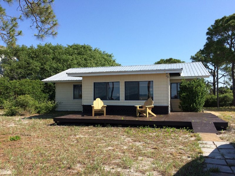 Florida Style Beachfront Cottage, alquiler vacacional en Panacea