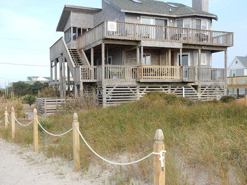 Ocean Front, Pet Friendly, Hatteras Island, 4 BR, 3 1/2 BA, casa vacanza a Rodanthe