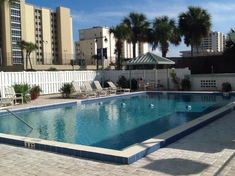 Family Beach Get-Away, vacation rental in Daytona Beach Shores