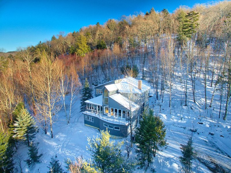 Spectacular Stowe Vacation Home for Family Fun, alquiler de vacaciones en Stowe