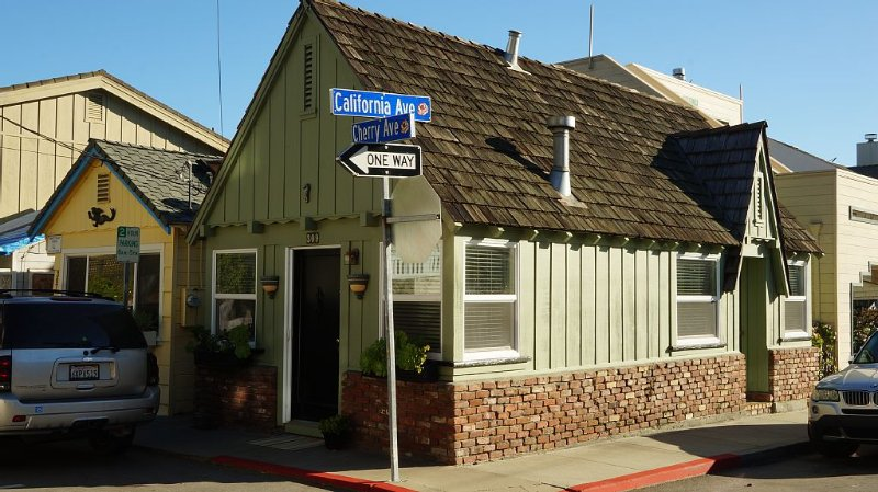 You are in the Heart of the Capitola Village!    16-092, location de vacances à Soquel