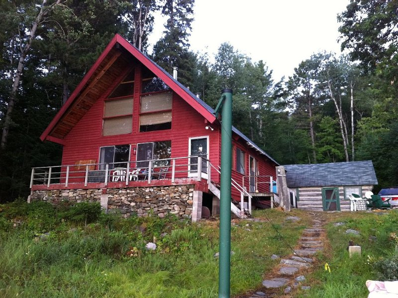5 Bedroom Chalet on Aylen Lake, aluguéis de temporada em Madawaska