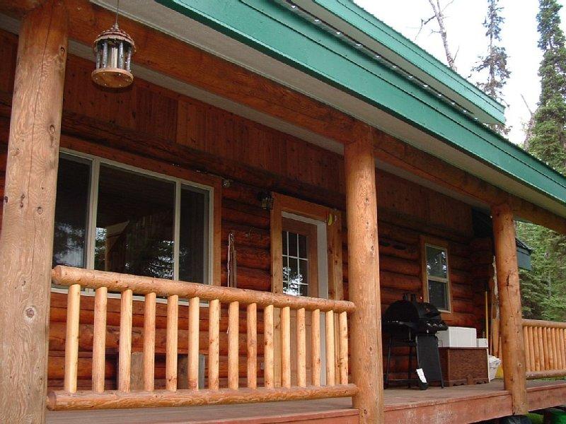 Beautiful Log Cabin Retreat.  Close Access To Kenai River/Bings Landing Park, alquiler vacacional en Sterling