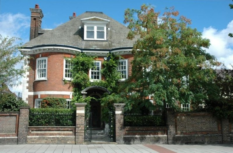 Quintessential London Residence, vacation rental in London