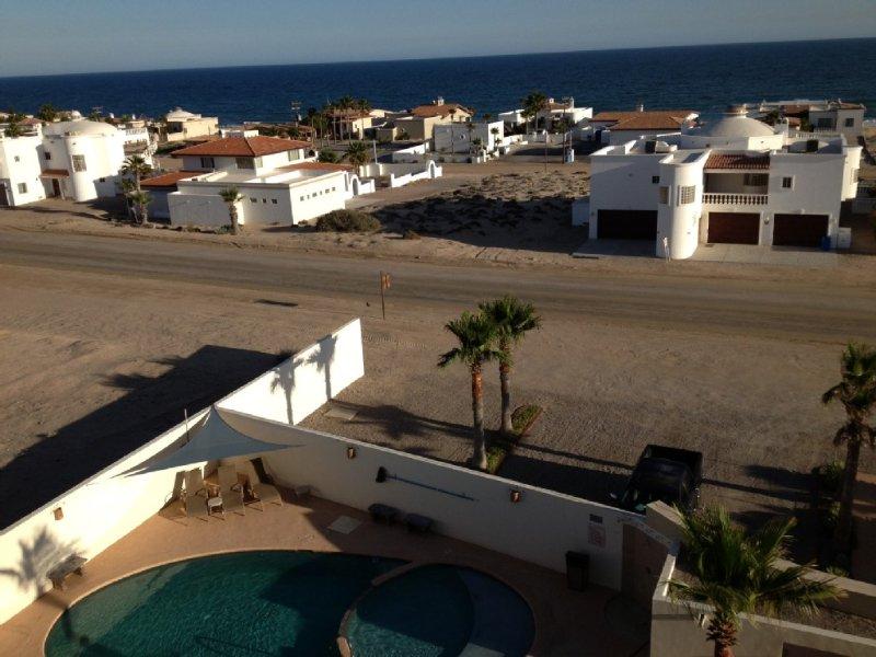 2 Bedroom Condo W/ POOL in Private, GATED COMPLEX in LAS CONCHAS!---Sleeps 6, vacation rental in Puerto Penasco