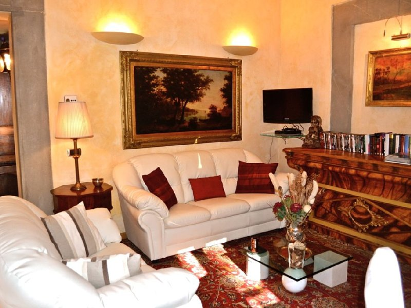 Delightful apartment, heart of Florence, walking distance of everything, terrace – semesterbostad i Florens