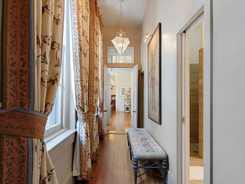 Space & Luxury 1840s Flat |Heart of Lower Garden District |Balcony over Magazine, holiday rental in Gretna