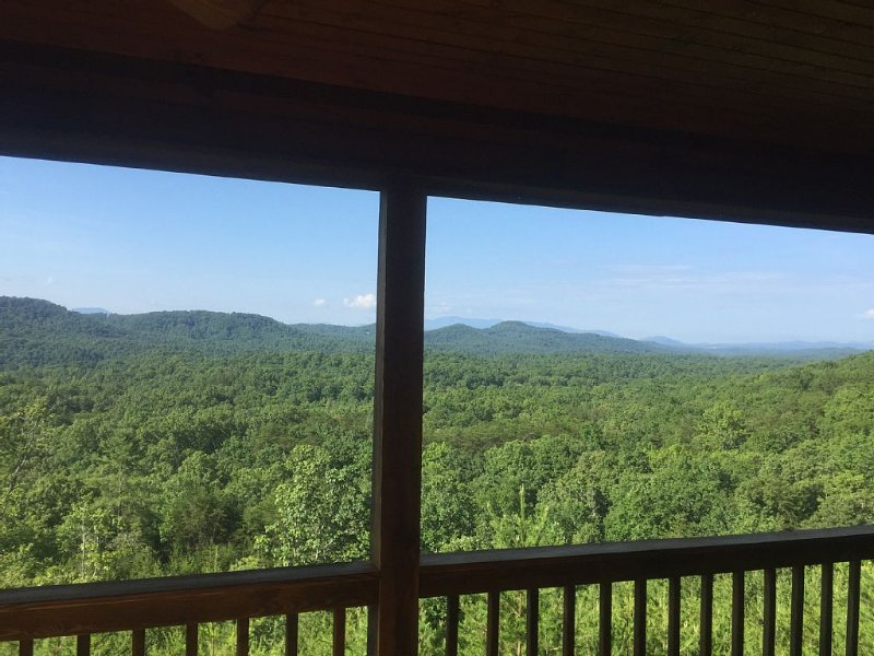 Our Amazing View Includes Mountains And Valleys As Far As The Eye Can See!, vacation rental in Mineral Bluff