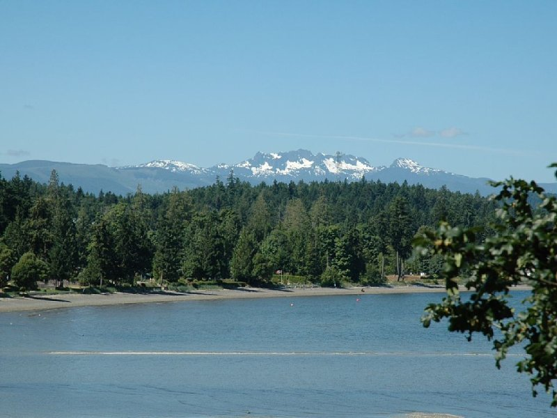 A luxurious 3 bedroom oceanside retreat, holiday rental in Nanoose Bay