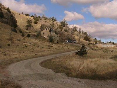Cozy Guest House, Great Views Of Emigrant Peak, 10 Minutes to Chico Hot Springs, alquiler de vacaciones en Emigrant