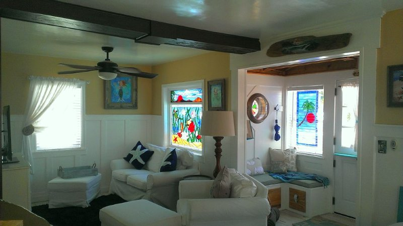 Step Back In Time To Our 1927 OB Mermaid Cottage.  Lovingly Restored In 2014., vacation rental in San Diego