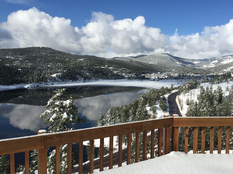 The Ultimate 'WOW' Colorado Mountain & Lake Vacation!, alquiler vacacional en Nederland