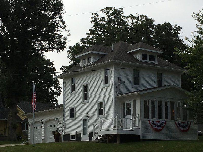 Dessel Street Guest House: Family Friendly Home Close To Decorah, Iowa, casa vacanza a Fort Atkinson