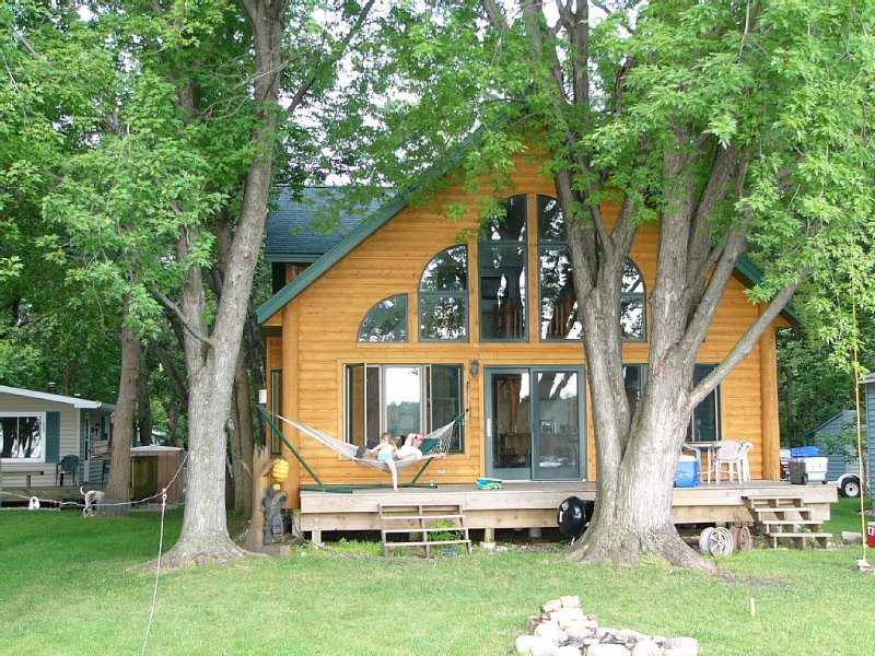 Gorgeous A Frame Cabin On Beautiful Lake Koronis, holiday rental in Rockville