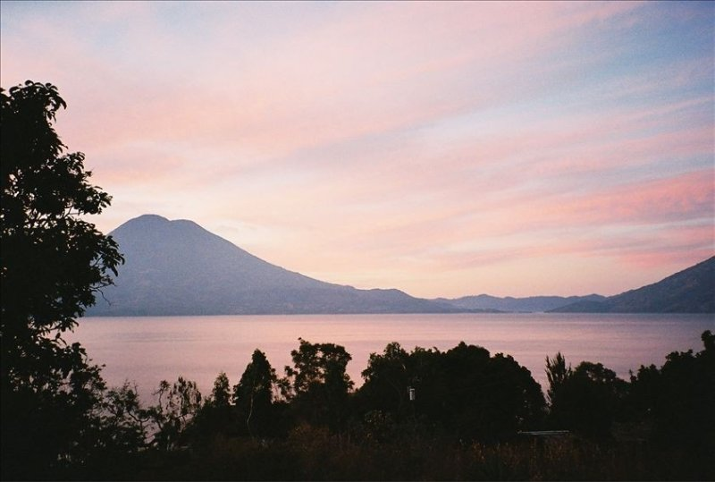 Beautiful lake Atitlan Retreat Home - Spectacular Views & Large Garden, vakantiewoning in Guatemala