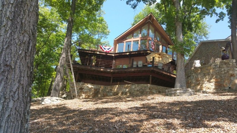 Fantastic Lake View, Close To Town, And Sleeps 8-10., vacation rental in Sunrise Beach