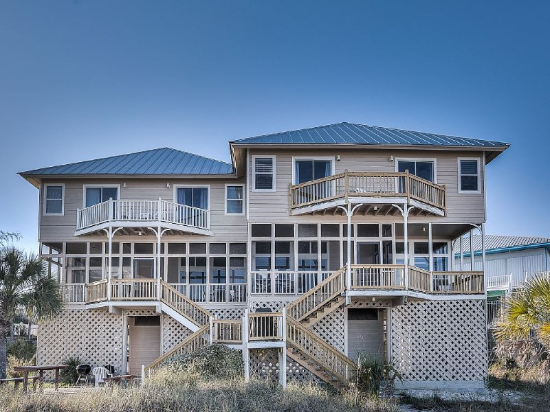 Beautiful Gulf Front on 30-A in Grayton/Gulf Trace:  4 Bedrooms / 4 Baths, holiday rental in Santa Rosa Beach