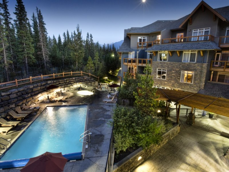 Beautiful luxury condo, close to downtown!, aluguéis de temporada em Canmore