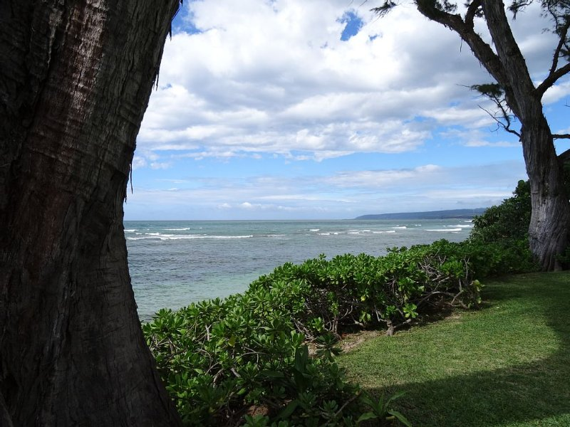 Classic Hawaiian Beachfront Home-Mokuleia, vacation rental in Waialua
