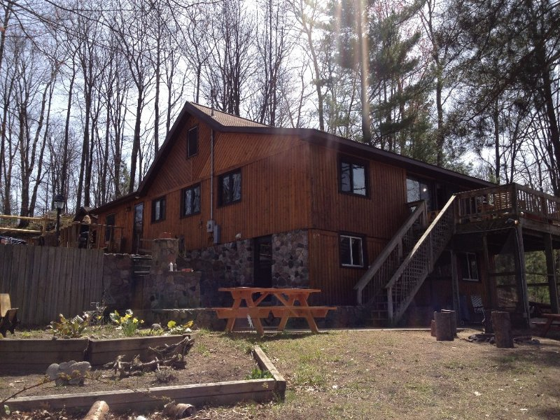 Incredible Sunsets Over Pristine Loon Lake, casa vacanza a Lupton