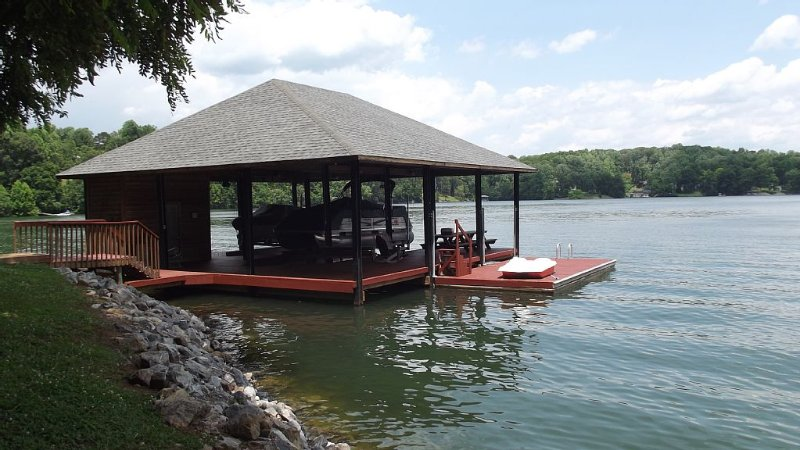 Dock, Covered Sitting area, Tables, Swing, Floater,  Paddle boat,  Kayaks.