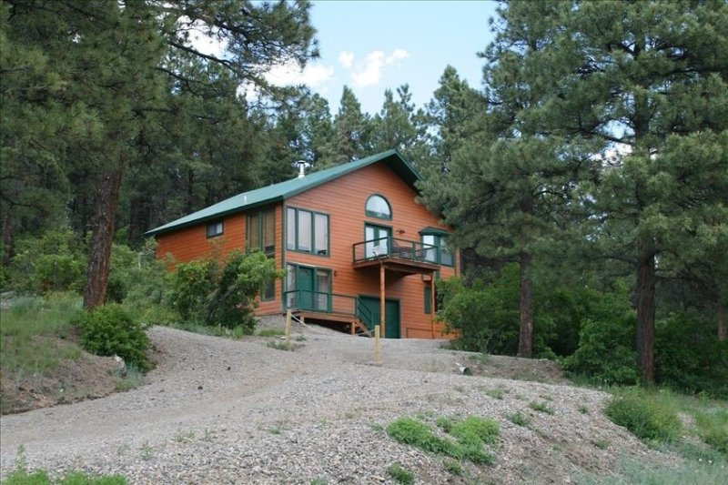 Charming Pagosa Home with Spectacular Unobstructed View, holiday rental in Pagosa Springs