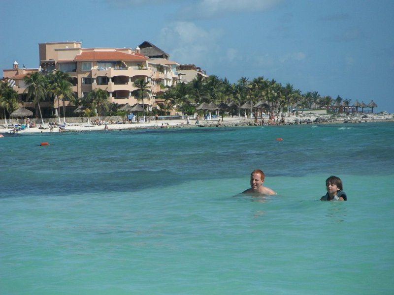 QUINTA LUNA WITH PANORAMIC VIEW OF OCEAN AND BAY, vacation rental in Puerto Aventuras