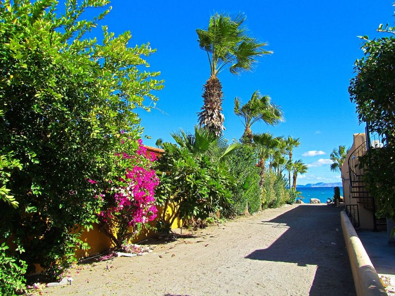 Sea of Cortez Beach Access off your Front Steps, vacation rental in Loreto