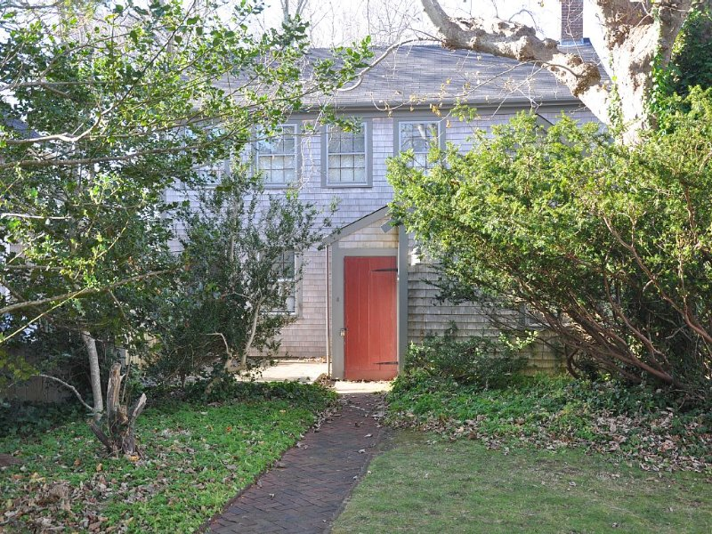 Charming Nantucket Historic Home, historic downtown area, off Main Street, vacation rental in Siasconset