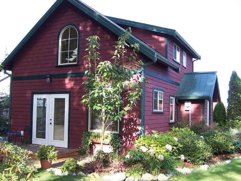 Bright, Quiet Home, Perfect For Bird Watching Nestled In Friendly Neighborhood., location de vacances à Gardiner