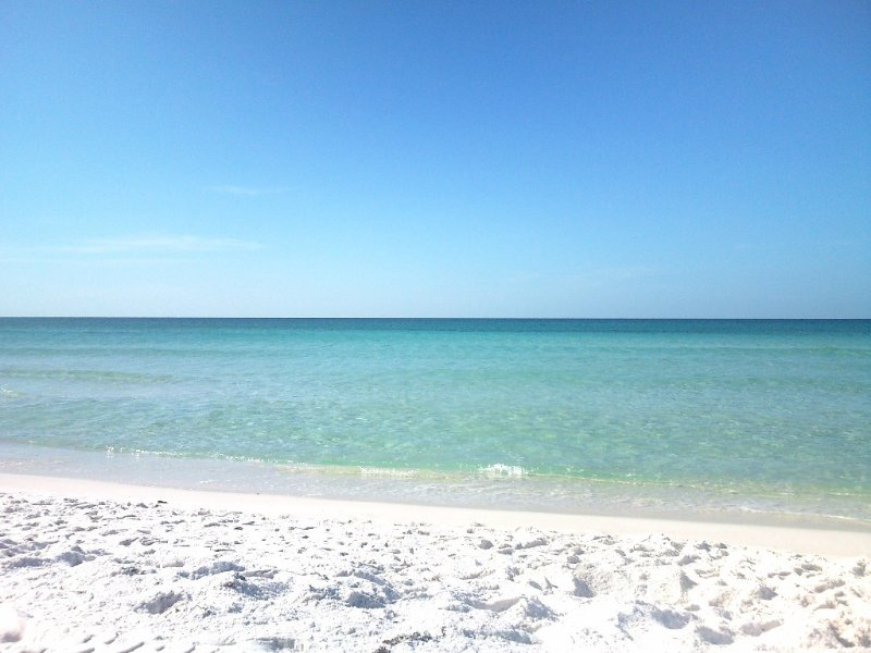 Sea Shell - Gulf View - April Two Night Getaway Special - April 8 & 9 - Book Now, alquiler vacacional en Fort Walton Beach