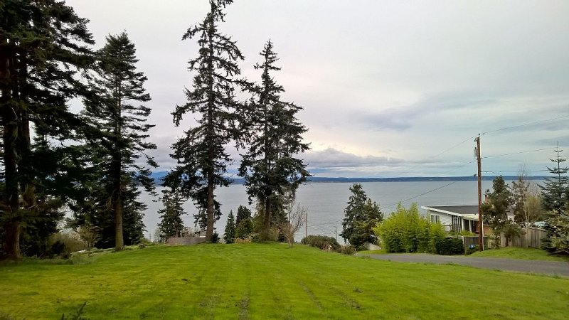 Puget Sound View - Dogs Welcome, holiday rental in Freeland