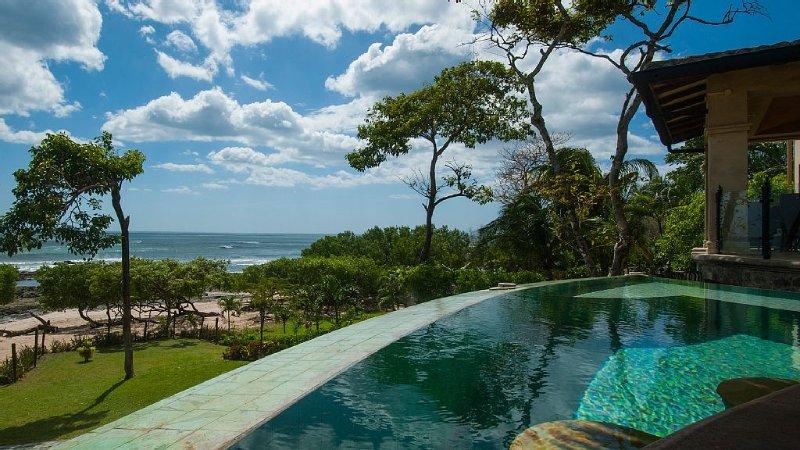 Hot tub and Cabana Beach View