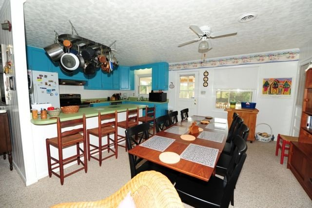 Spacious, open dining and kitchen area.  Great for entertaining!