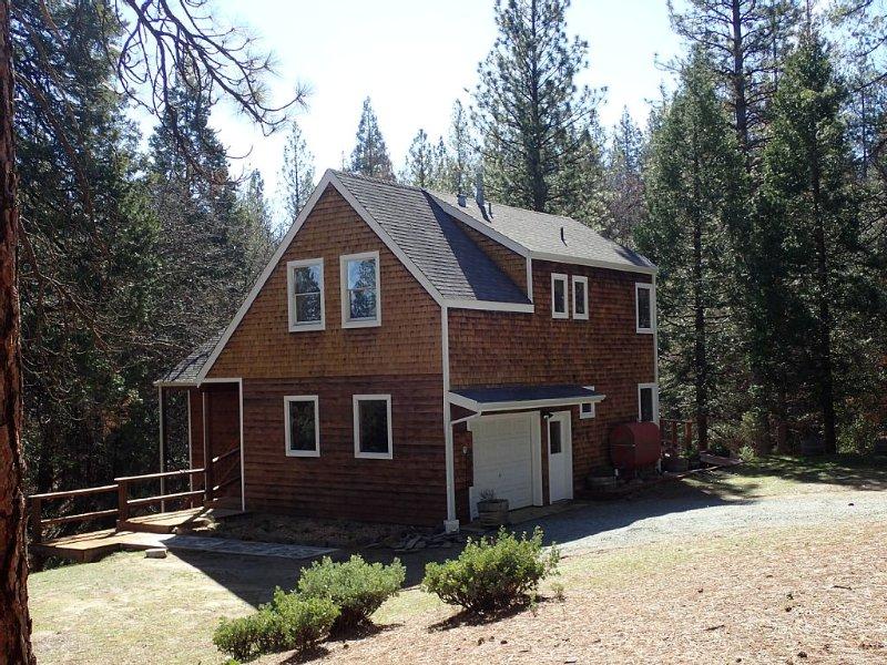 Yosemite Oaks Mountain Home